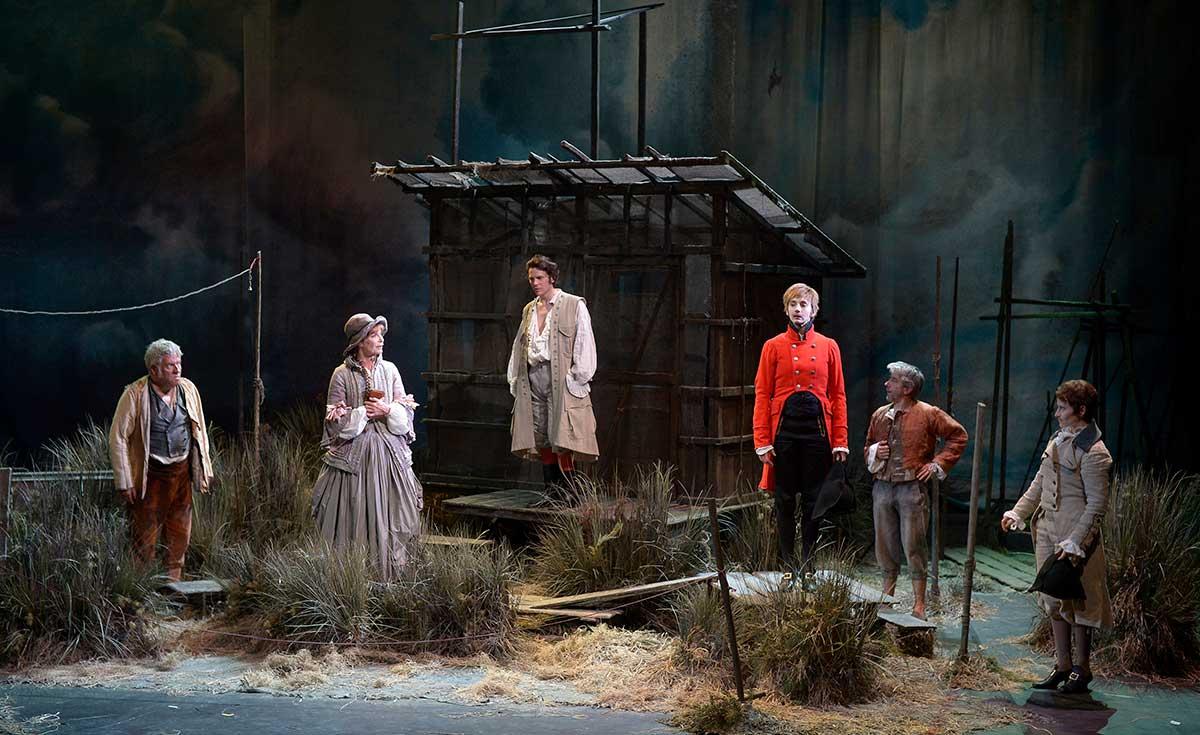 Comedie Francaise Calendrier.Le Triomphe De L Amour La Saison Theatre Des Bouffes Du Nord
